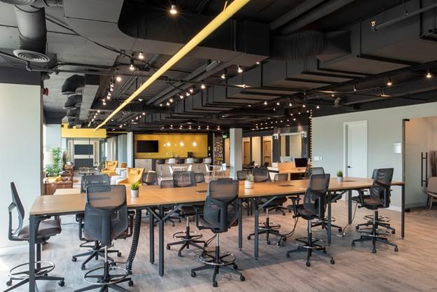 Should I Choose an Open Desk or a Dedicated Desk? - Coworking Mississauga, Richmond Hill, Oakville
